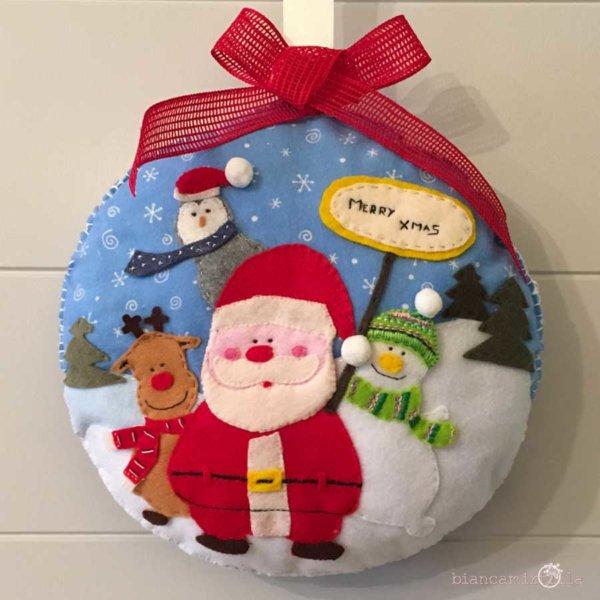 Decorazione con Babbo Natale in feltro, idee regalo