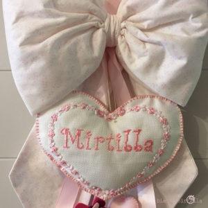 Fiocco Nascita Mirtilla in puro cotone con nome ricamato, idee regalo
