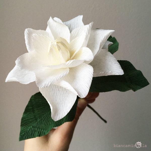 Mazzo con Gardenia e boccioli, fiori di carta idee regalo