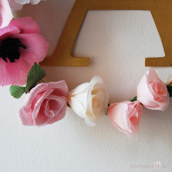 Floral Letter idee regalo per nascita e Battesimo, fiori di carta crespa