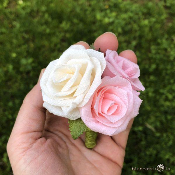 boutonierre per lo sposo fiori di carta matrimonio
