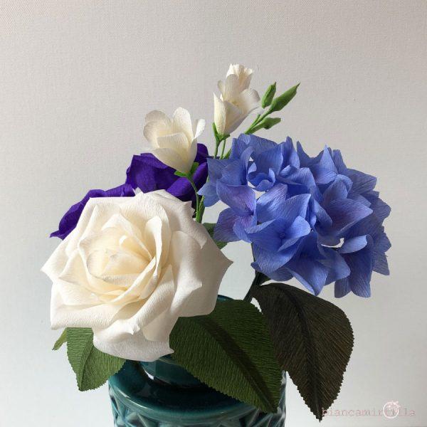 composizione ortensia fresia e rose fiori di carta idee regalo