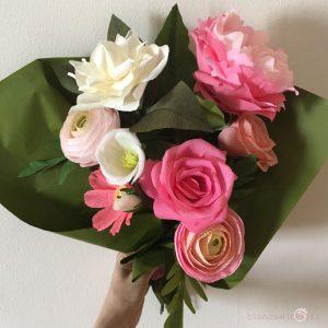 composizione Elena con fiori di carta idee regalo