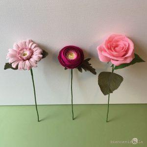 composizione con gerbera ranuncolo rosa fiori di carta idee regalo