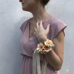 corsage con fiori di carta idee per il matrimonio