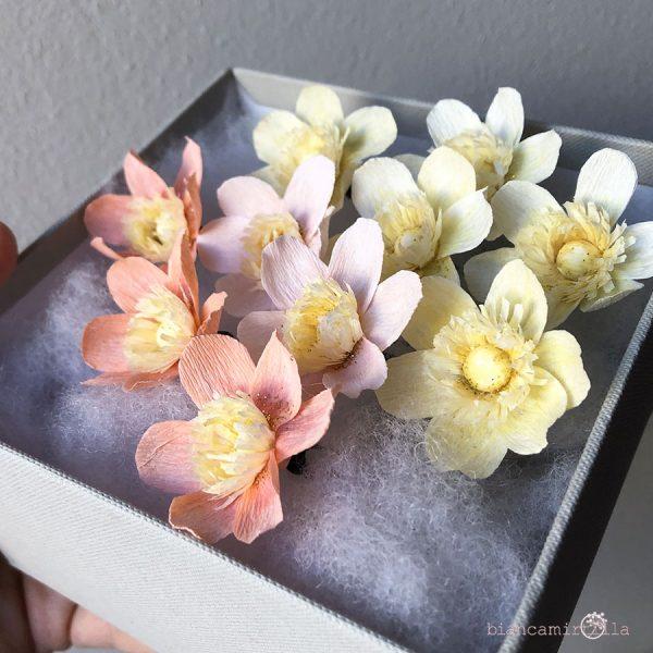 forcine per capelli con anemoni piccoli panna matrimonio